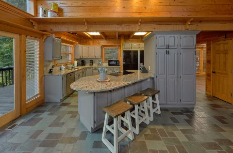 Luxurious kitchen in 6 bedroom cabin rental - Top Of The World
