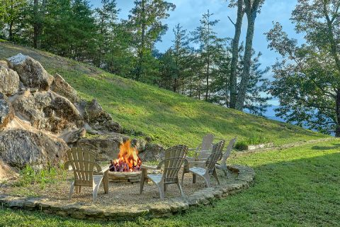 Outdoor Fire Pit at luxurious 6 bedroom cabin - Top Of The World