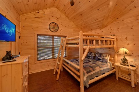 Pigeon Forge Cabin with Bunk-Beds - TrinQuility View