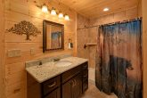 Smoky Mountain Cabin with 5 Bedrooms and Baths