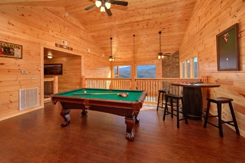 5 Bedroom Pool Cabin with Loft Game Room - TrinQuility View