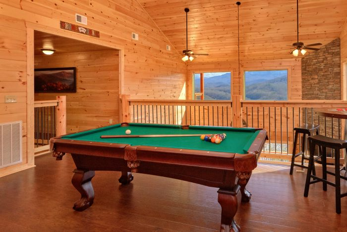 5 Bedroom Cabin with a Billiards Table - TrinQuility View