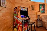 5 Bedroom Cabin with an Multi-Cade Arcade Game