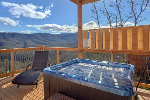 Cabin with a Hot Tub - TrinQuility View