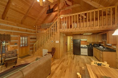 1 Bedroom Cabin with a Gas Fireplace and Loft - Turtle Dovin'