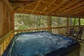 Pigeon Forge Cabin with private Hot Tub on deck