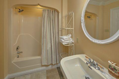 Full Bath Room Master Suite - Victoria's Queen