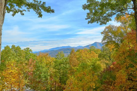 Spectacular Views 2 Bedroom Chalet Gatlinburg - Victoria's Queen