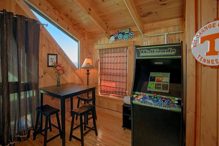 Gatlinburg 3 Bedroom Sleeps 12 - View Topia Falls