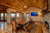 Luxury Cabin with Large Dining Area for 12