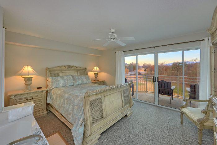 Premium Condo with Private Queen bedroom - Vista View