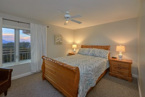 Premium condo with 2 Private Queen Bedrooms - Vista View