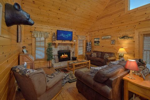 2 bedroom cabin with wood burning fireplace - Wander Back Inn