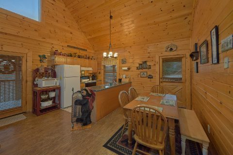 2 bedroom cabin with kitchen and dining room - Wander Back Inn