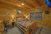 Cabin with 2 Private Queen bedrooms