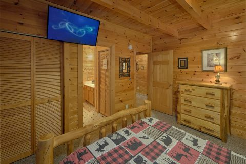 2 bedroom cabin with grill and hot tub - Wander Back Inn