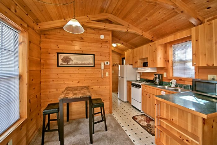 Honeymoon Cabin with bistro dining set - Where the Magic Happens