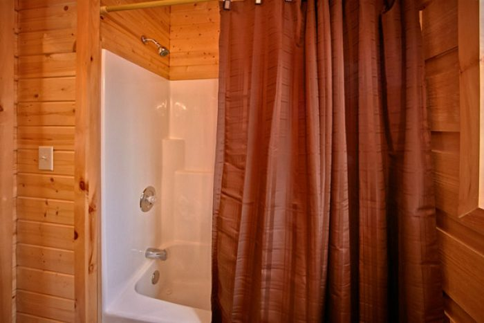 Cabin with bathtub and shower - Where the Magic Happens