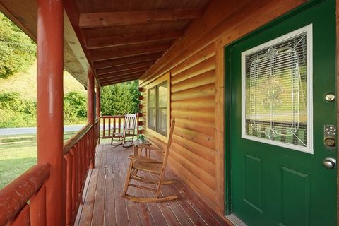 Premium 1 Bedroom Cozy Cabin in Pigeon Forge - Whispering Pond