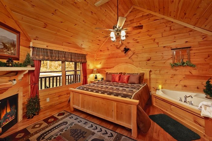 Premium Honey Moon Cabin with a Master Suite - Whispering Pond