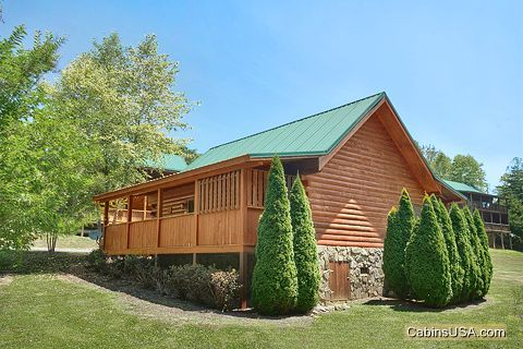 Honey Moon Cabin in Cabins at the Crossing - Whispering Pond