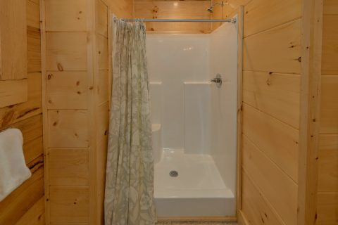 Master Bathroom on Main Level in Premium Cabin - Whistling Dixie