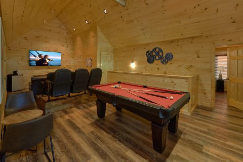 4 Bedroom Cabin with Pool Table and Game Room - Whistling Dixie