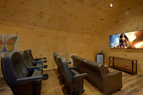 4 Bedroom Cabin Theater Room in Pigeon Forge - Whistling Dixie
