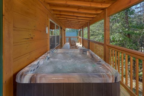 Arrowhead 4 Bedroom with Private Hot Tub - Whistling Dixie