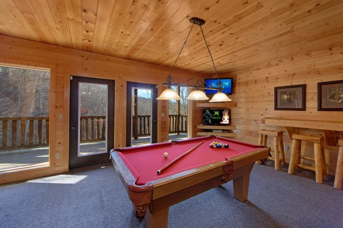 Cabin with Pool Table and Air Hockey Game - Wilderness Lodge