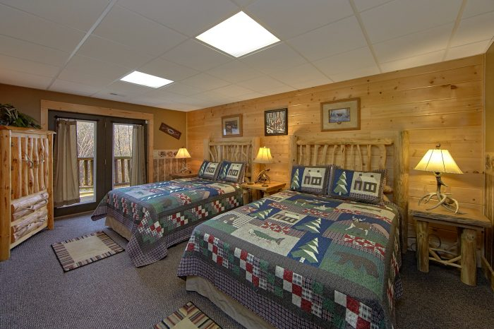 Premium Cabin with 2 Queen Beds and Bath - Wilderness Lodge