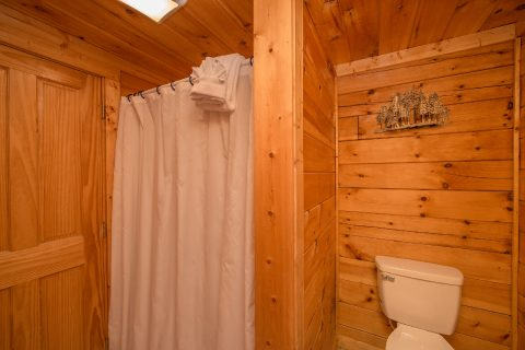 Private Master Bath in 5 bedroom cabin - Wilderness Lodge