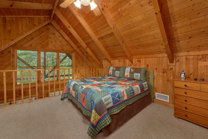 Honeymoon Cabin with Wooded Views - Wildflower Haven