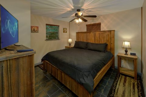 Cabin in the Woods 2 Bedroom 1.5 Bath Sleeps 6 - Willow Brook