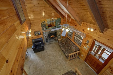3 Bedroom Cabin Sleeps 10 Open Floor Plan - Wolves Den