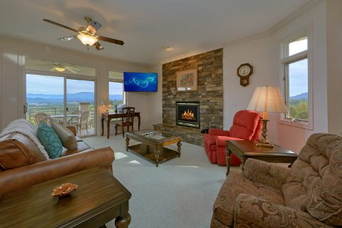 2 Bedroom with Gas Fireplace and Big Screen TV - Wow! What A View